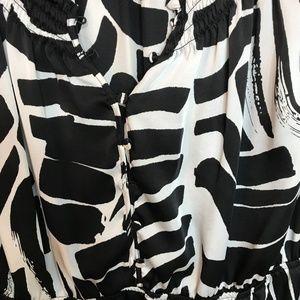 Kenneth Cole Tops - Kenneth Cole - Sleeveless animal like print top!